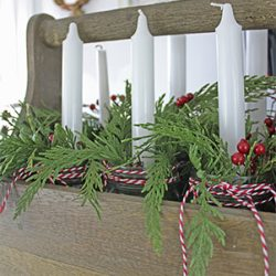 5 ways to decorate with Christmas garland FI