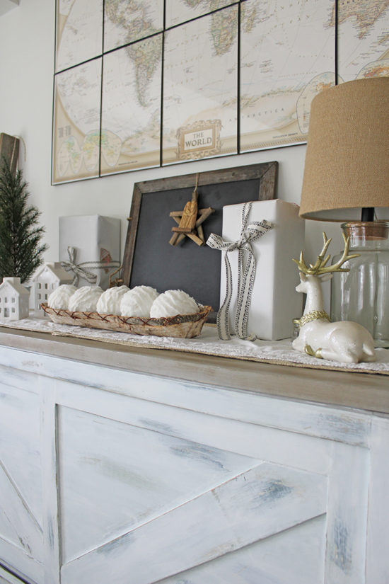 Neutral Christmas decorating ideas The Honeycomb Home