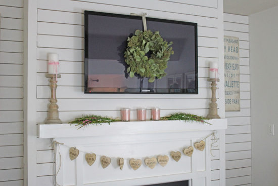 Valentine's-Day-Mantel-6 Valentine's Day decorating ideas