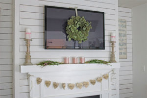 Valentine's-Day-mantel-FI
