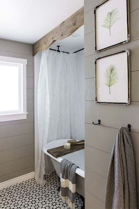 small rustic bathroom