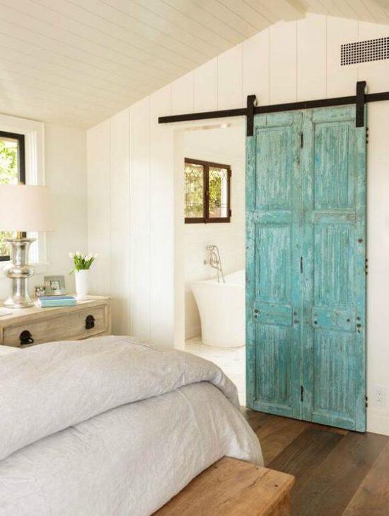 interior-barn-door-en-suite-bathroom, cottage bedrooms
