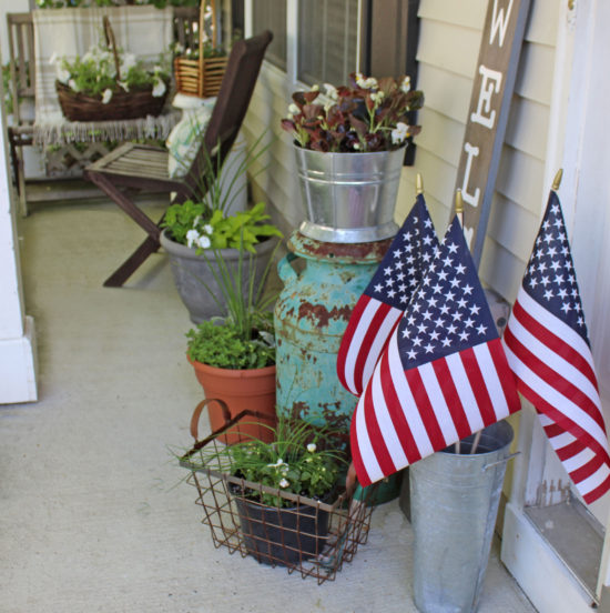 small-front-porch-decorating-ideas-2