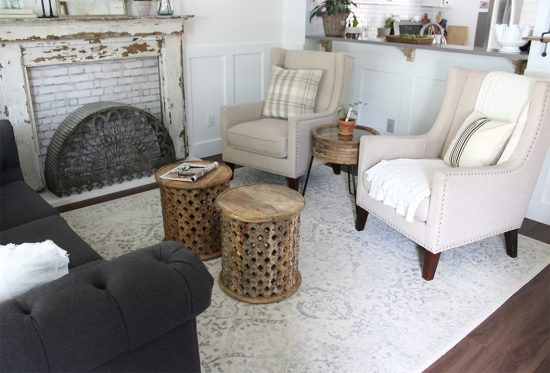 Looking for the perfect area rug for your living room? This neutral white rug is a great pick! #arearugs