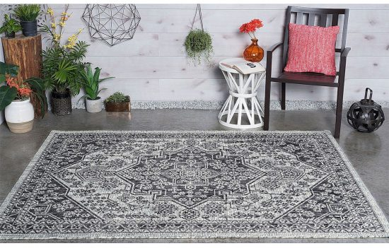 13 Pretty Indoor Outdoor Rugs The Honeycomb Home