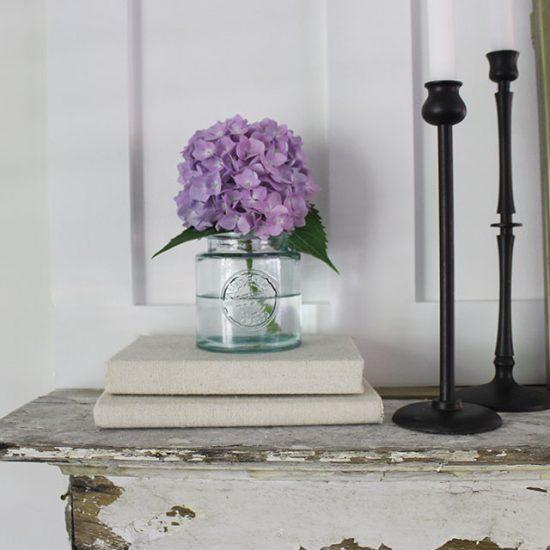 simple-floral-arrangement-hydrangeas
