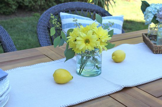 table-setting-outdoor-living