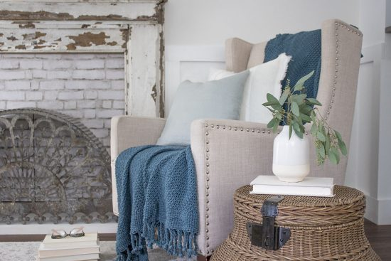 cozy-throw-blankets-for-fall