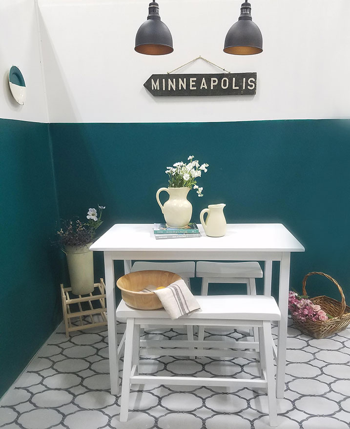 teal-and-white-wall-paint
