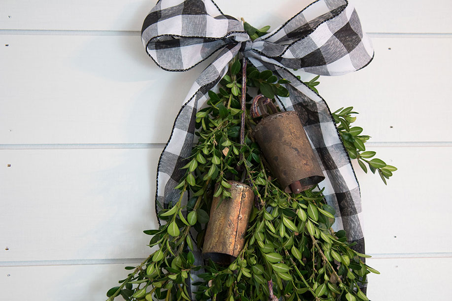 Christmas-Decorations,-how-to-make-a-boxwood-swag-for-your-front-door-with-vintage-bells