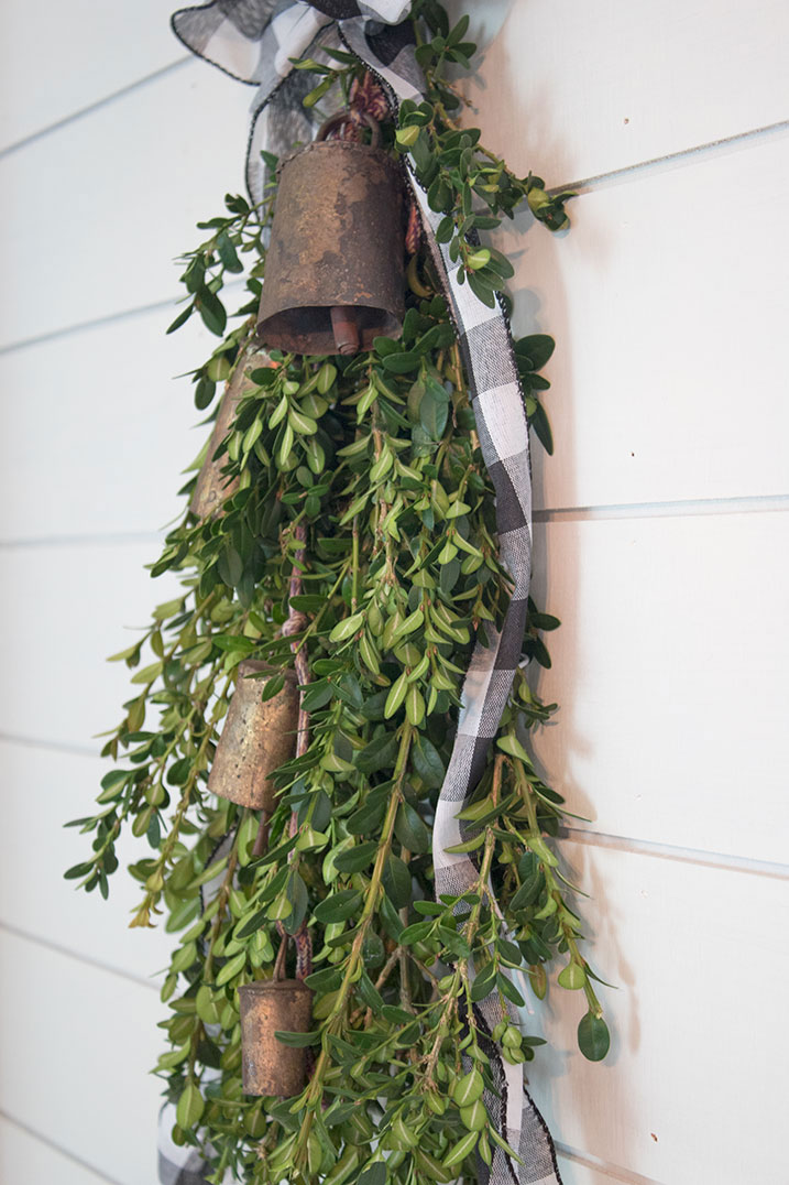 Christmas-Decorations-you-can-make-yourself,-front-door-decor-ideas