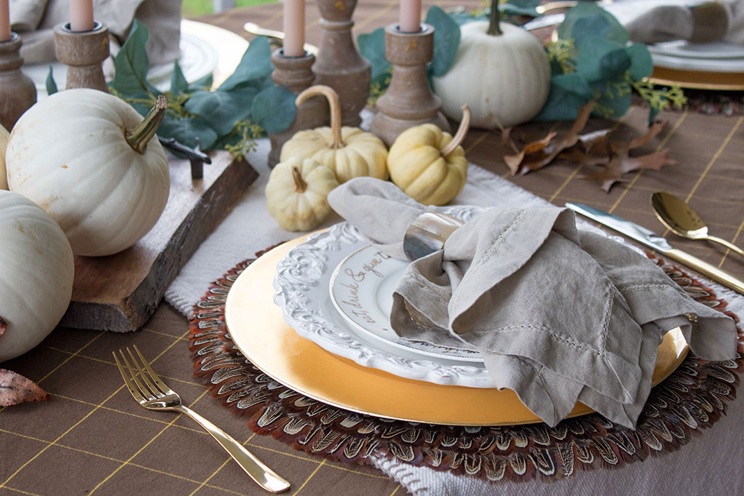 Fall-Harvest-table-decor,-placemats,-tablecloth,-napkins,-you-won't-believe-how-easy-this-setting-is-to-recreate