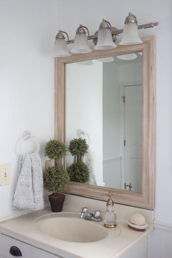 How-to-frame-a-large-mirror-yourself-without-taking-it-off-the-wall,-this-is-the-easiest-way