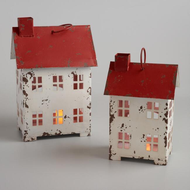 farmhouse style Christmas houses