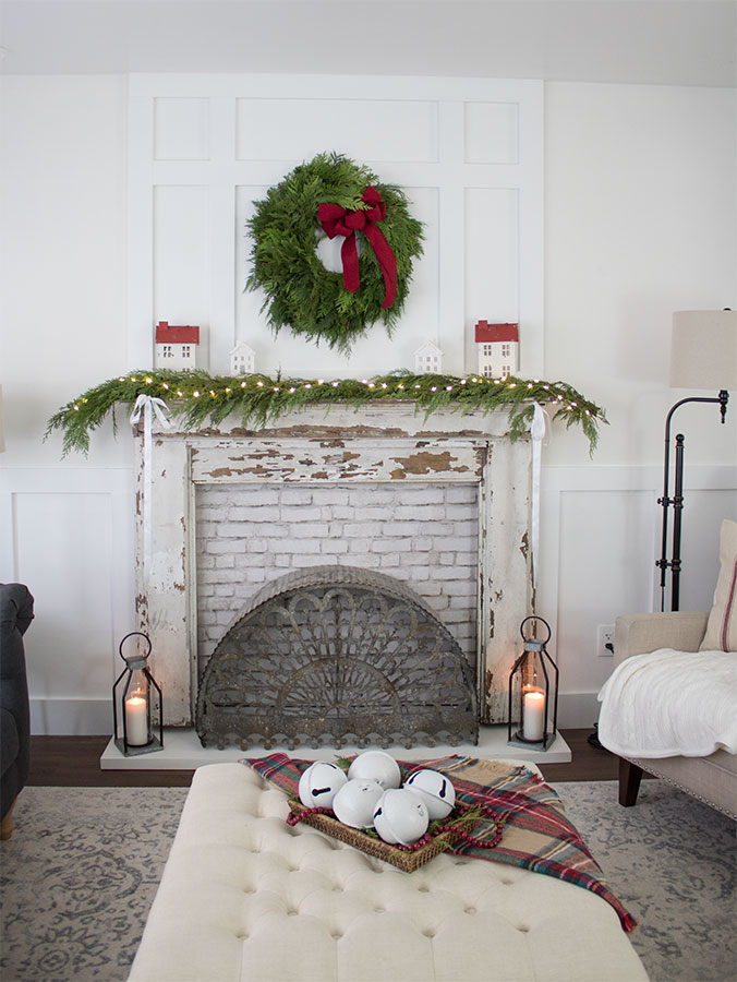 Blogger's-Christmas-Home-Tours,-The-Honeycomb-Home