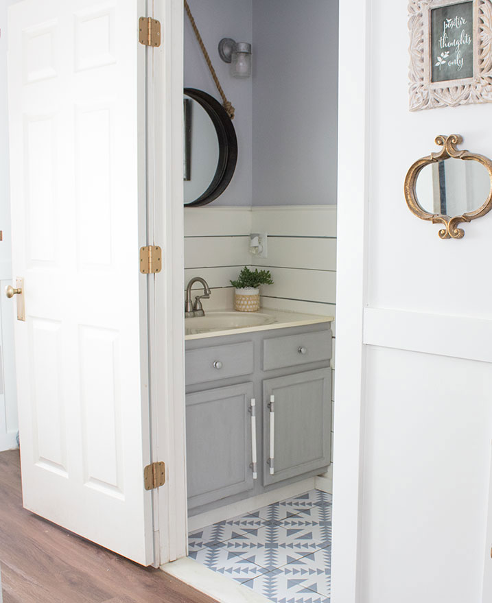5-ways-to-freshen-up-a-small-bathroom