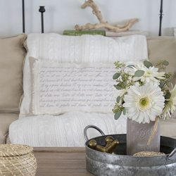DIY-Shabby-Chic-French-Script-Pillow-FI3