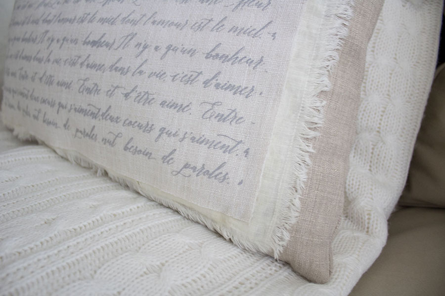 How-to-make-a-shabby-chic-pillow-with-french-script-lettering