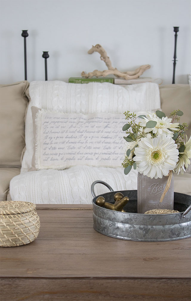 How-to-make-a-shabby-chic-throw-pillow-cover-with-french-script-writing, no sewing required!
