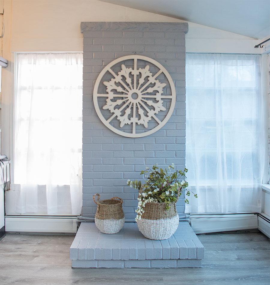 How-to-makeover-an-old-brick-fireplace-with-paint