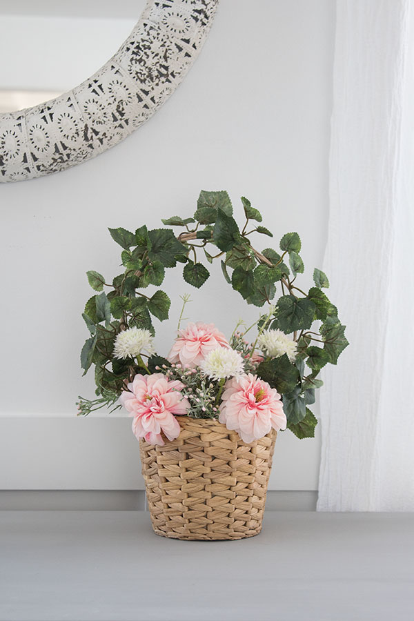 How to make this spring flower basket with ivy handle