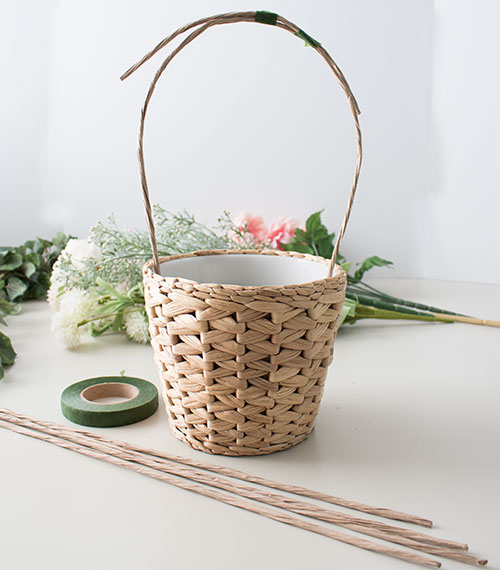 how-to-make-a-Spring-flower-basket