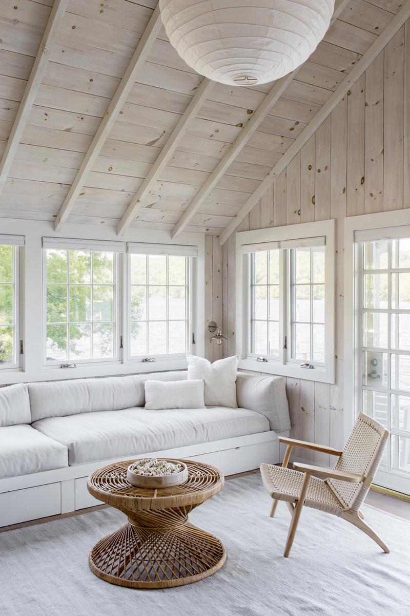lakehouse room
