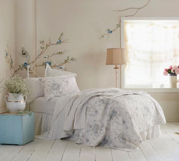 cottage style floral quilt