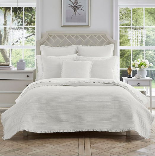 ruffled trimmed quilt set spring and summer bedding