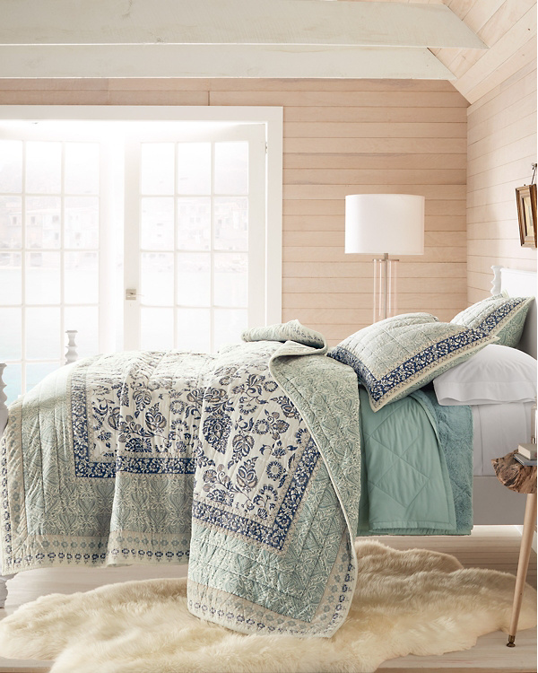 farmhouse vintage paisley quilt for summer