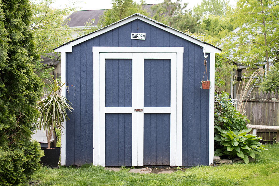 Painted-Shed-The-Honeycomb-Home