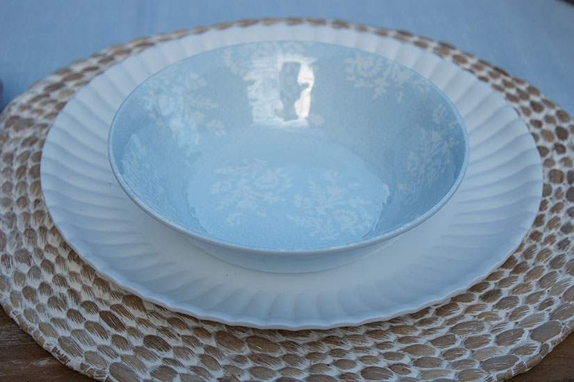 pretty outdoor dishes