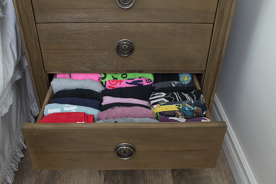 3 drawer nightstand to fit extra clothes, marie kondo t-shirt folding