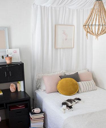 """Dorm Room """"Day-kover"""""""