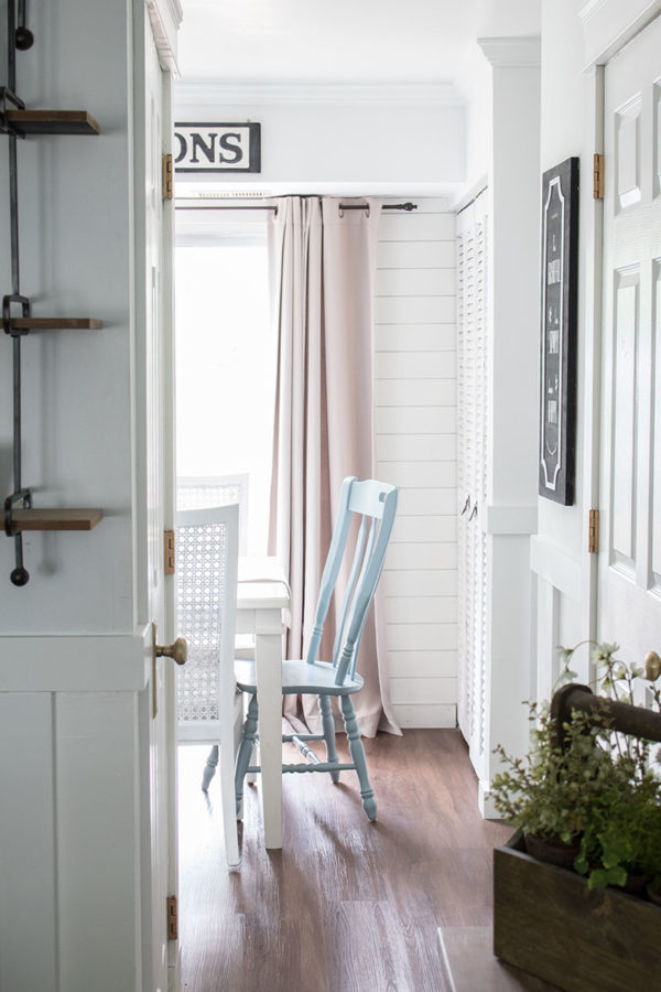 the easiest way to paint chairs with spindles