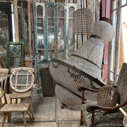 FI-vintage-furniture-and-antique-finds