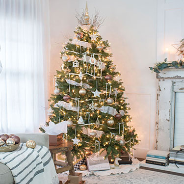 Home Style Christmas Tree Decorating Ideas