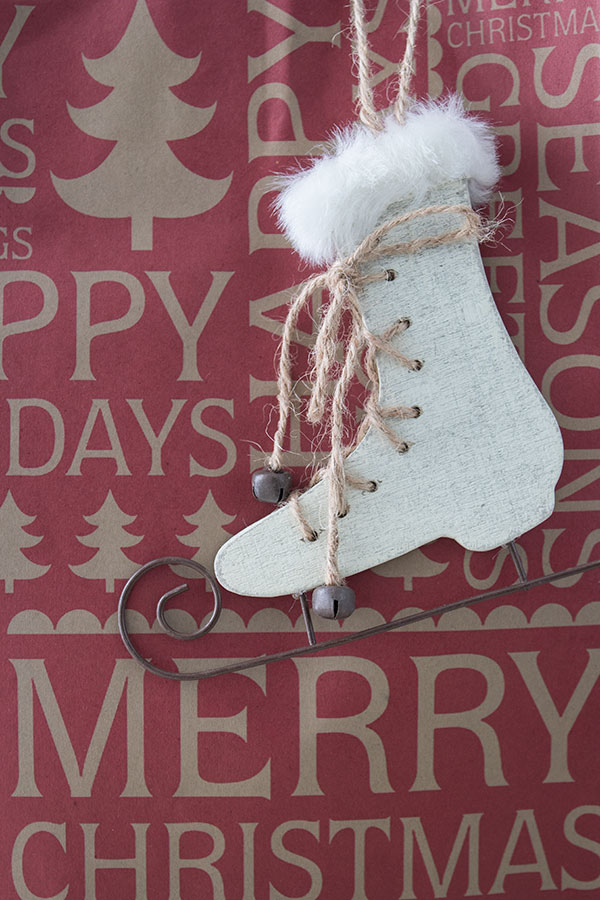 Christmas ornaments and gift bags, gift wrapping ideas