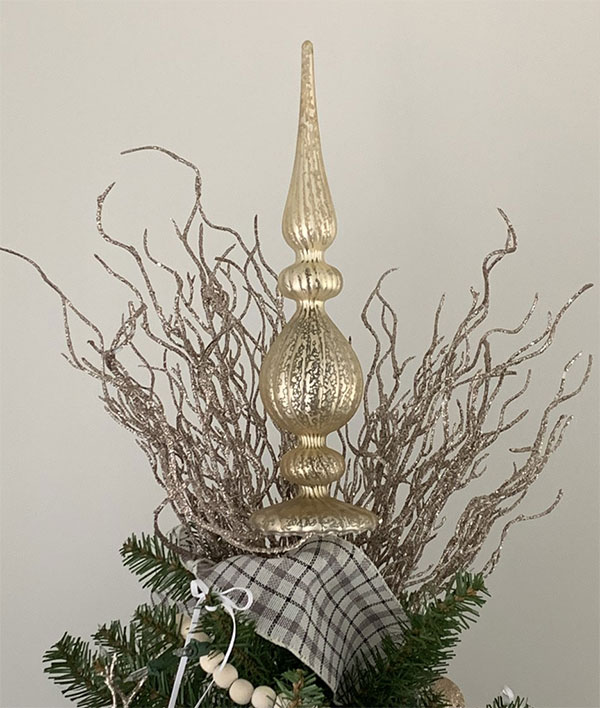 finial tree topper