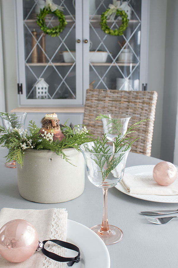 Decorating the dining room with vintage Christmas finds