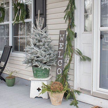 Small Front Porch Christmas Decorations
