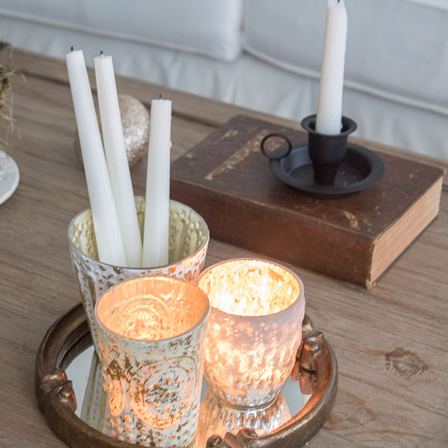 Last minute Christmas decorating ideas using candles