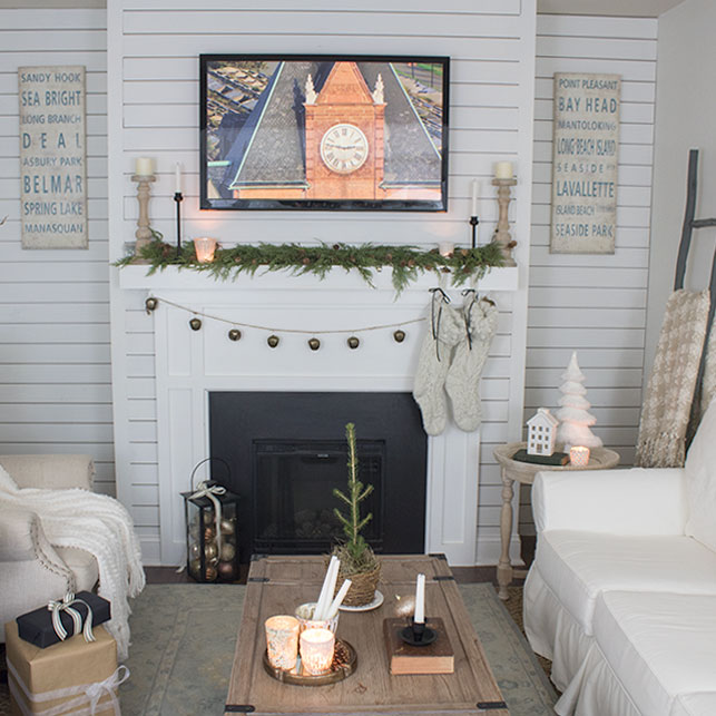 Neutral all white living room decorated for the holidays, quick and easy ideas.