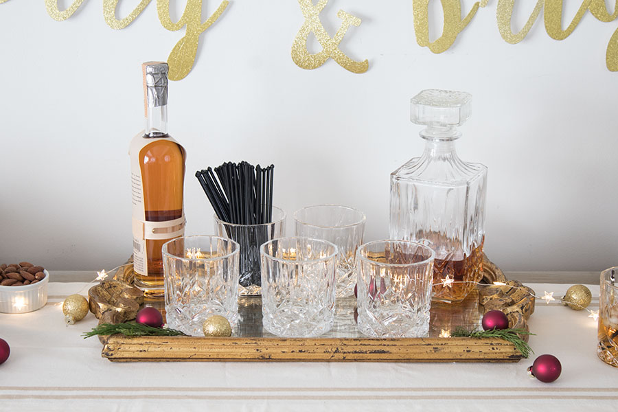 Crystal decanter and glasses set for home bar