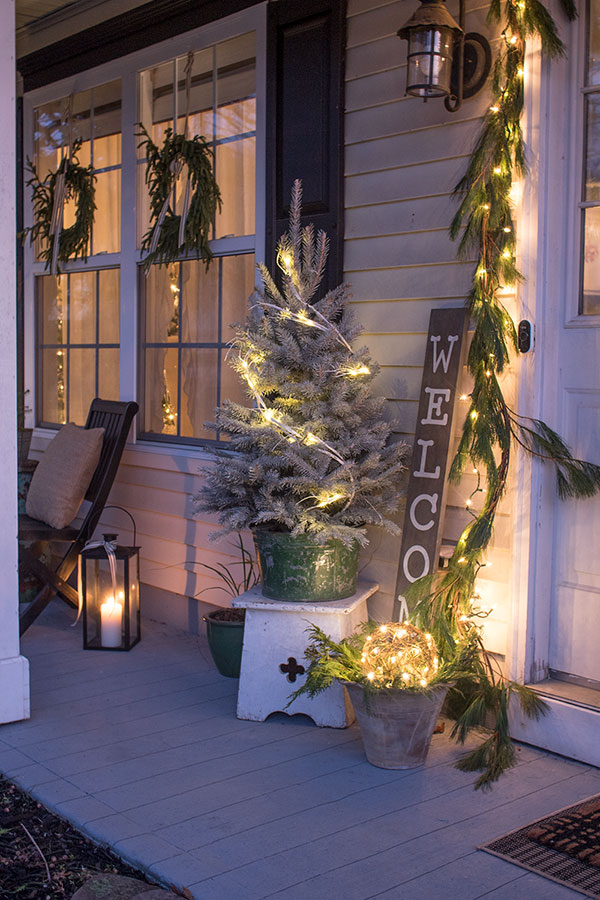 Exterior lights on small front porch for Christmas