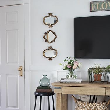 FI-Decorating-around-the-living-room-TV