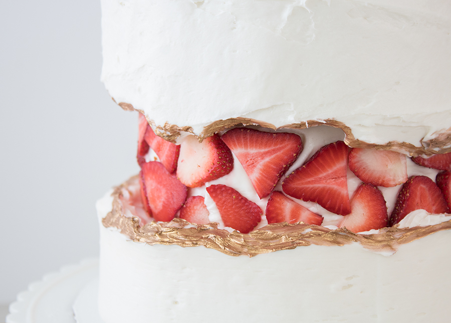 How to make a fault line cake with strawberries, cake decorating ideas