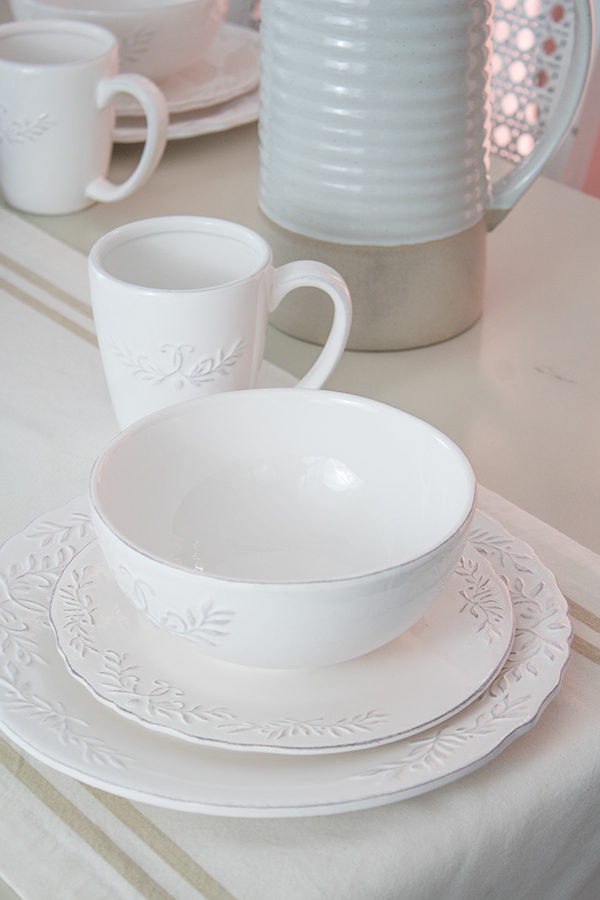 perfect white dishes, everyday dinnerware