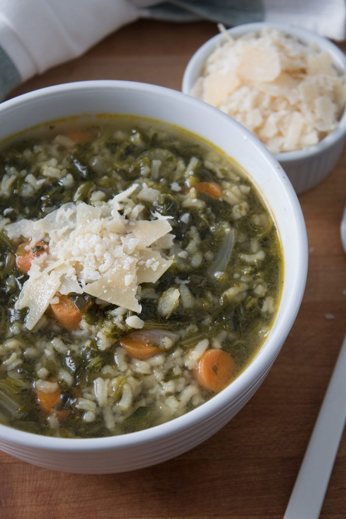 Easy spinach soup recipe that the whole family will love.