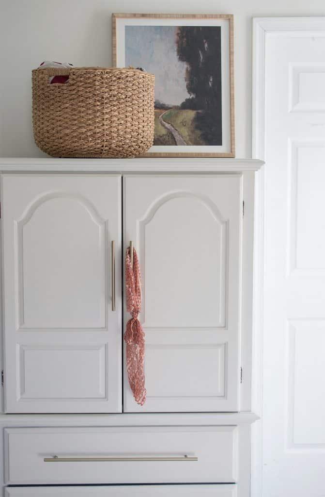 bedroom-armoire